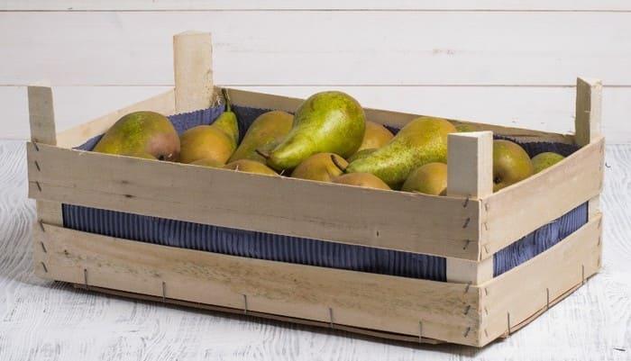 Хранение груш в деревянных ящиках