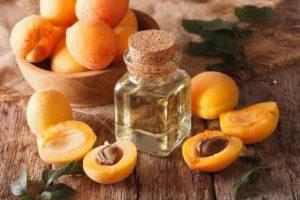 Масло для лица из абрикосовых косточек