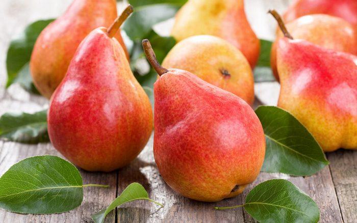 Груша – фрукт не только вкусный, но еще и очень полезный