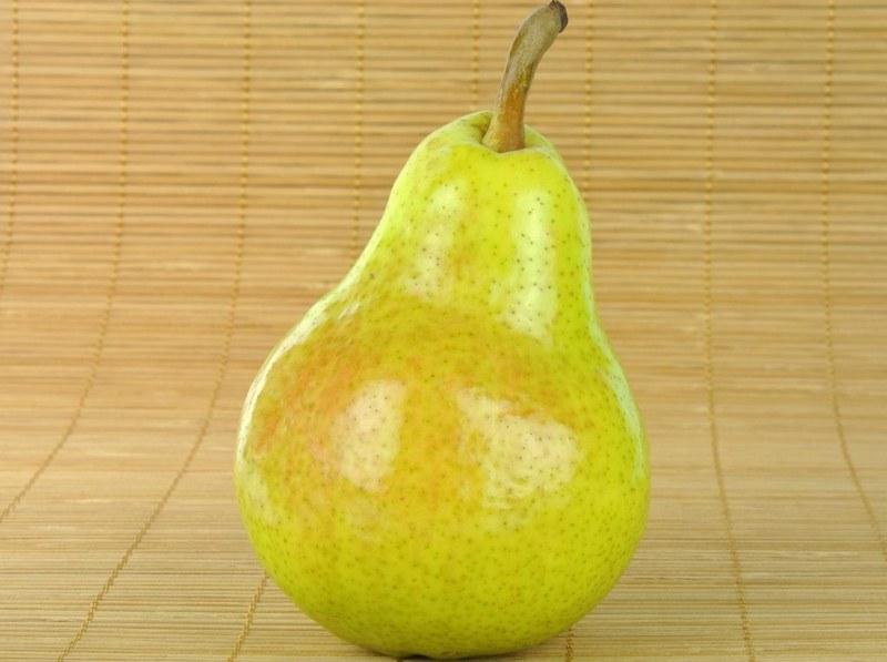 Масса плодов груши колеблется от 180 до 200 г