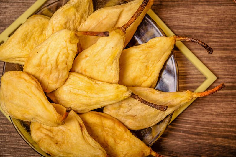 Вяление позволяет сохранить в груше практически весь запас витаминов