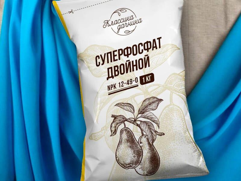 После сбора урожая грушу подкармливают суперфосфатом