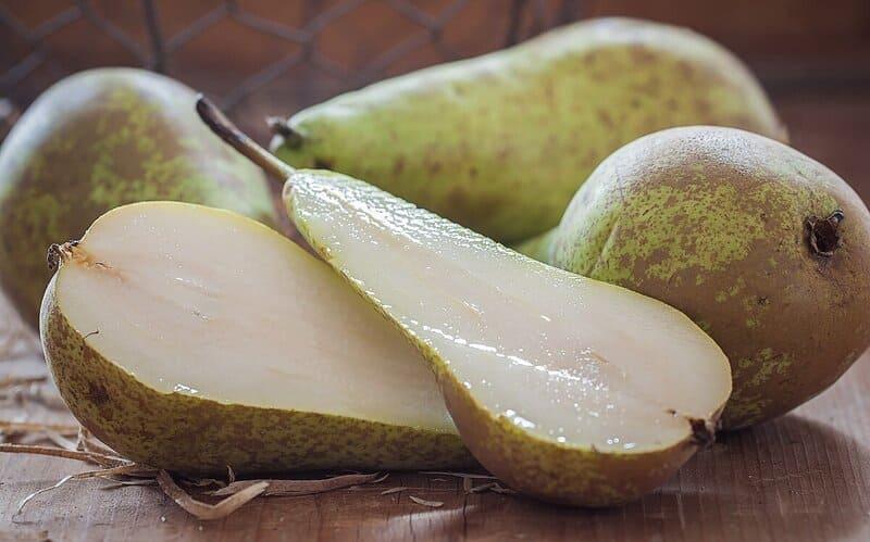В составе плодов груши содержатся J, K, Mg, Ca, Cu, Fe, P, Zn, Na